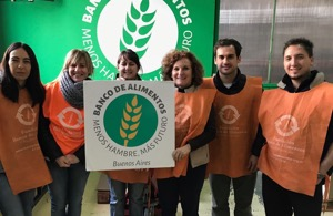 Group of people volunteering for the Banco de Alimentos NGO